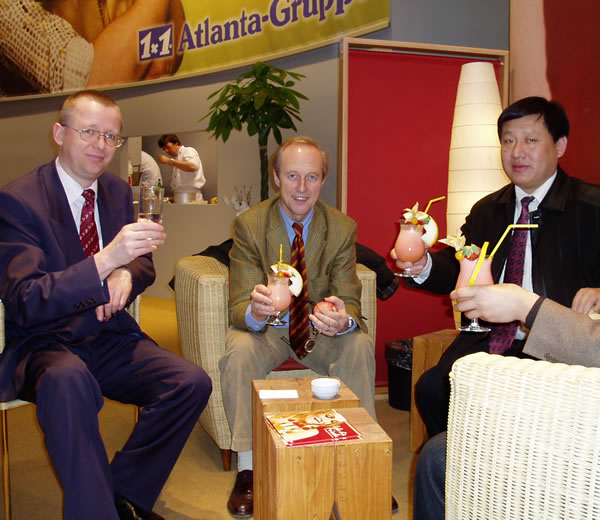 The chairman Guo Yusen had a cordial conversation with the DFM representatives